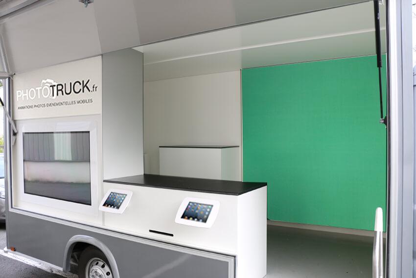 Phototruck2-intérieur véhicule publicitaire